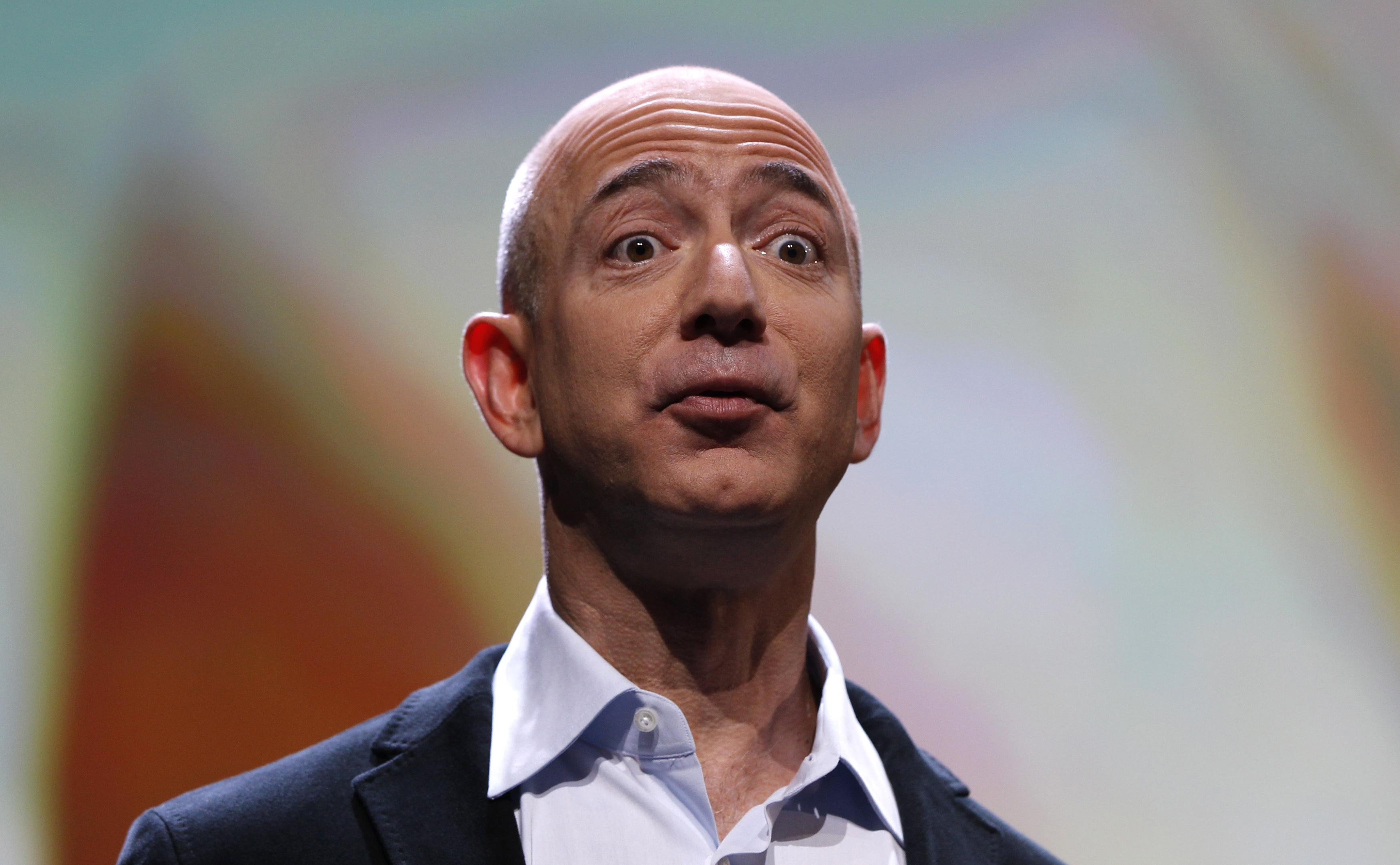 Jeff Bezos desbanca a Warren Buffett del podio de los más ricos del mundo